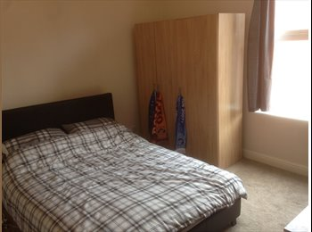 EasyRoommate UK - Large double room, all bills included, Hyde Park - £390 pcm