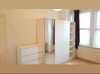 EasyRoommate UK - One big Double room is available !! , Willesden - £585 pcm
