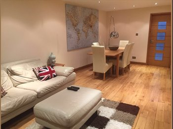EasyRoommate UK - Beautiful, Newly Refurbished House with large rooms to rent (Shared females ONLY), Preston - £650 pcm