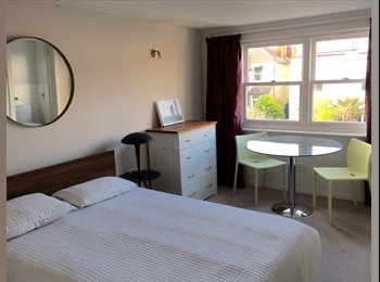 EasyRoommate UK - Double room with ensuite,, Hove - £675 pcm