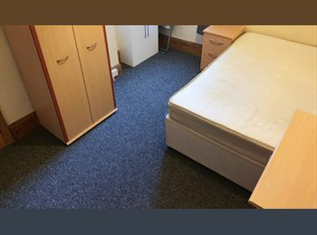 EasyRoommate UK - 2 double rooms and 2 single rooms from £375 PCM (all bills and internet included), Southsea - £375 pcm