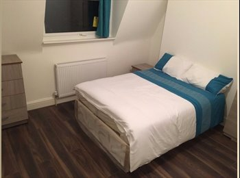 EasyRoommate UK - Double Room Available In Good Area of London, Fitzrovia - £700 pcm