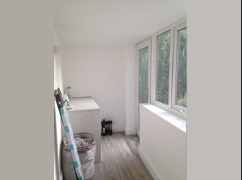 EasyRoommate UK - Room to Rent, Accrington - £300 pcm