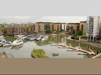 EasyRoommate UK - Furnished and Serviced Double in Limehouse Marina, Limehouse - £1,040 pcm