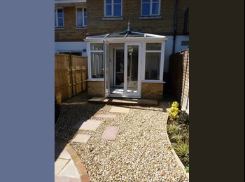 EasyRoommate UK - Furnished double bedroom in 3 bed house, The Polygon - £480 pcm