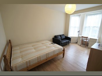 EasyRoommate UK - SPACIOUS double in CHALK FARM ..ONLY !!!£200!!!, Kentish Town - £866 pcm