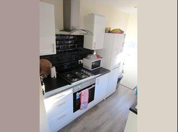 EasyRoommate UK - 2 Double Bed in Newly Refurbished Stylish House, Heaton - £320 pcm