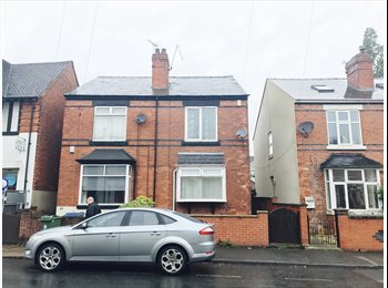 EasyRoommate UK - 2 x Spacious Double Rooms in Mansfield - All Bills Included - Fully Furnished, Mansfield - £320 pcm