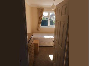 EasyRoommate UK - Smart single room, Milton Keynes - £350 pcm