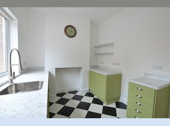 EasyRoommate UK - Beautifully finished Kensington Victorian property close to city centre - All Bills inc, Kensington - £346 pcm