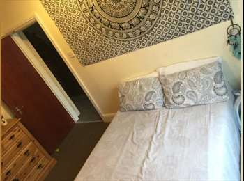 EasyRoommate UK - Student House In Headingley- 1 room available , Headingley - £340 pcm