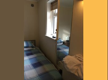 EasyRoommate UK - Single room for rent (June - August), Withdean - £320 pcm
