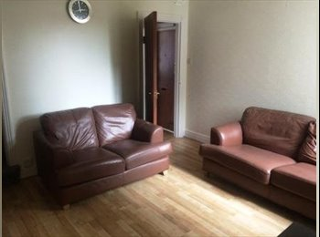 EasyRoommate UK - 4x DOUBLE FURNISHED ROOMS AVAILABLE IN SHARED HOUSE, EDGBASTON, Ladywood - £299 pcm