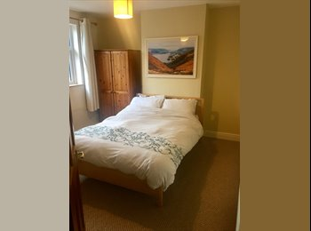 EasyRoommate UK - Double room MON-FRI ONLY near JLR, UHCW & Cov centre , Stoke Aldermoor - £400 pcm