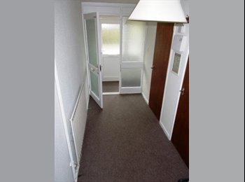 EasyRoommate UK - 5x DOUBLE FURNISHED ROOMS AVAILABLE IN SHARED HOUSE, HARBORNE, Harborne - £325 pcm