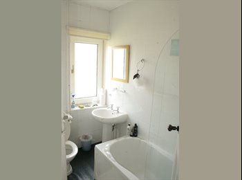EasyRoommate UK - Double Room in two bedroom Villa, Pilton - £400 pcm