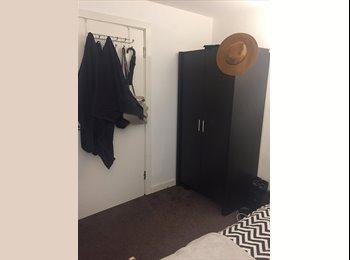 EasyRoommate UK - 1 double bedroom for short term let , Hulme - £475 pcm