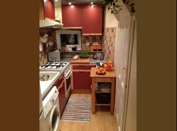 EasyRoommate UK - Newly refurbished flat 10 min from City Centre and Jewellery Quarter, Gib Heath - £500 pcm