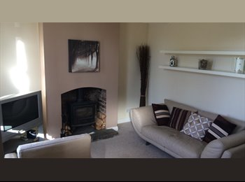 EasyRoommate UK - Double Room available in friendly house share, Buckley - £400 pcm