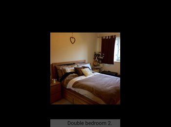 EasyRoommate UK - LOVELY double room available from 1st June.... , Crawley - £500 pcm