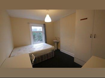 EasyRoommate UK - Large Double Room in Springbourne, Boscombe - £520 pcm