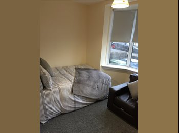 EasyRoommate UK - Double, furnished room to rent in Mansfield. Utilities included. Available NOW!, Mansfield - £390 pcm