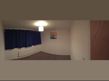 EasyRoommate UK - Large double room, Milton Keynes - £400 pcm