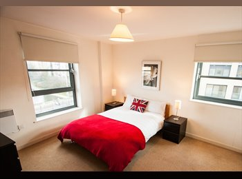 EasyRoommate UK - Master En-Suite Room with Balcony in Limehouse, E14, Limehouse - £1,339 pcm