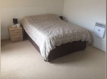 EasyRoommate UK - Furnished and Serviced Large Double in Limehouse , Limehouse - £1,040 pcm