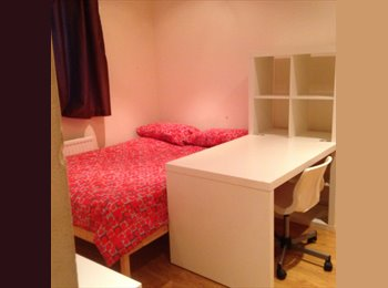 EasyRoommate UK - # PERFECT 2 ROOMS SAME HOUSE - Limehouse DLR, Limehouse - £650 pcm