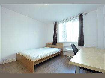 EasyRoommate UK - Large Double Next to Hyde Park / Bayswater Station, Bayswater - £953 pcm