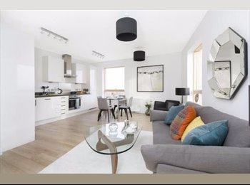 EasyRoommate UK - Brand New Stylish 2 bedroom 2 bath Flat Canning Town, Canning Town - £800 pcm