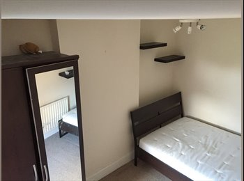 EasyRoommate UK - Double room for rent, Ensbury Park - £450 pcm