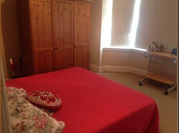 EasyRoommate UK - Double Room to Rent, Iford - £420 pcm