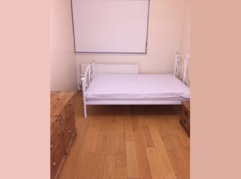 EasyRoommate UK - Spare Room In Flatshare Female 2 Bed Apartment Town Centre, Waltham Cross - £560 pcm