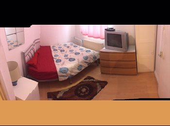 EasyRoommate UK - SINGLE ROOM IN SHADWELL****CALL ME , Ratcliff - £520 pcm