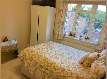 EasyRoommate UK - Bright Double Bedroom Chiswick, Bedford Park - £813 pcm