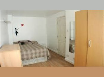 EasyRoommate UK - At 130£ a single room next to Lewisham could you believe me ? Call me for a visit TODAY, Deptford - £660 pcm