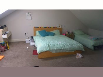 EasyRoommate UK - Luxury Large Double En-Suite Room, Hove - £675 pcm
