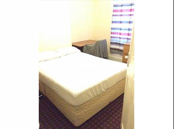 EasyRoommate UK - Double bed room available, Moss Side - £300 pcm