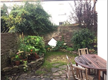 EasyRoommate UK - Temporary room in Montpelier, Picton street garden flat, Montpelier - £520 pcm