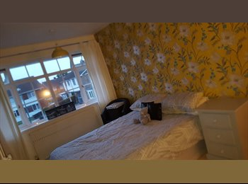EasyRoommate UK -  2 bed house share Kings Norton £300-£380, Kings Norton - £300 pcm