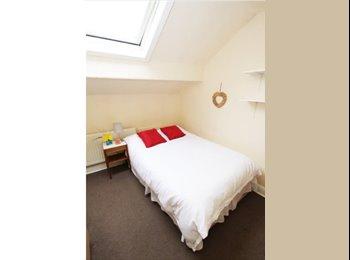 EasyRoommate UK - Housemate needed 20 chestnut avenue , Hyde Park - £388 pcm