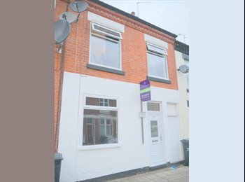 EasyRoommate UK - Single Room To Let on Bolton Road, Off Hinckley Road- Furnished with all bills & wi-fi inclusive, Western Park - £275 pcm