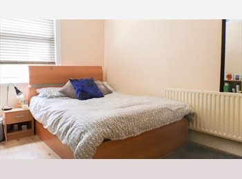 EasyRoommate UK - LUXURY ENSUITE DOUBLE ROOM NO DEPOSIT REQUIRED , Dalston - £800 pcm