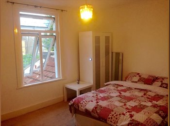EasyRoommate UK - Very Large double room for rent , all bills included,shared house fully renovated, Elmers End - £550 pcm