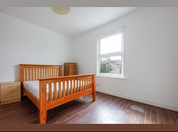 EasyRoommate UK - NEWLY RENOVATED 2 Bedroom House in Plumstead, Plumstead - £1,250 pcm
