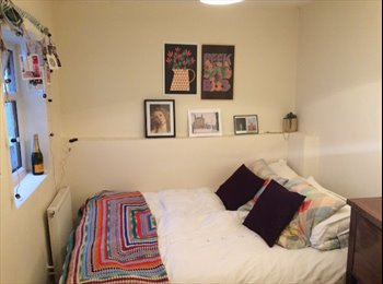 EasyRoommate UK - Stunning Double Room Central Location , Holland Park - £801 pcm