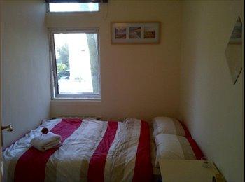 EasyRoommate UK - Double Room  Clapham (Zone 2), Clapham - £660 pcm