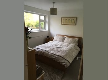 EasyRoommate UK - Single and Double Room to Rent Mon to Friday (only), Lower Eastern Green - £500 pcm